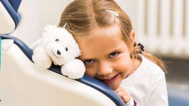 Zähne - Kind Behandlung Zahnarzt